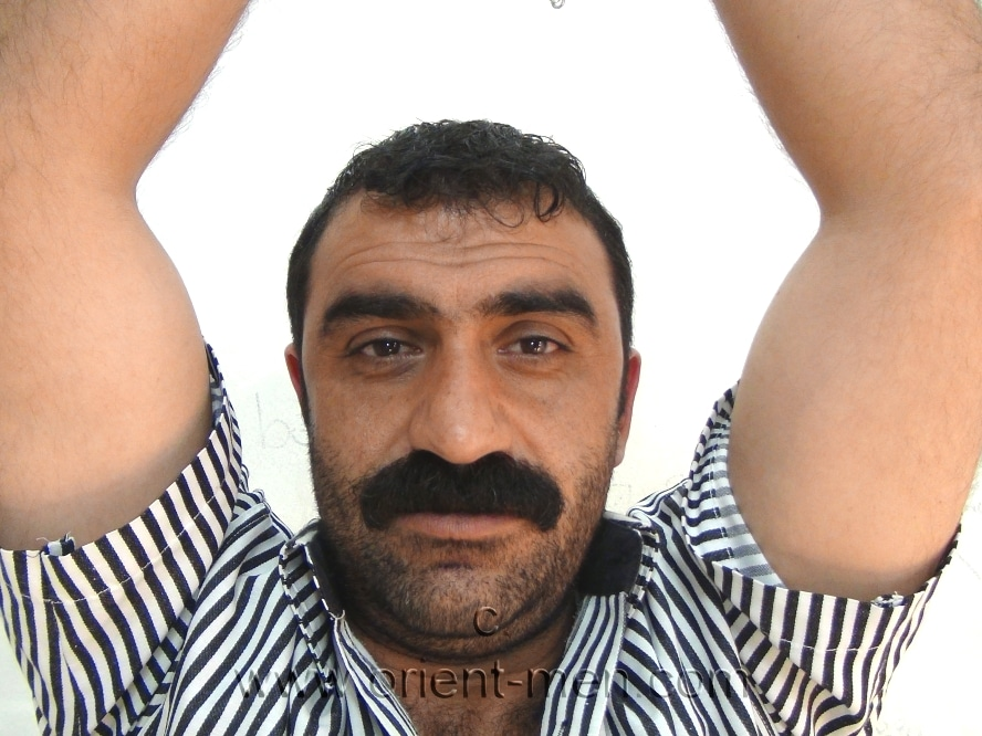 naked kurdich man